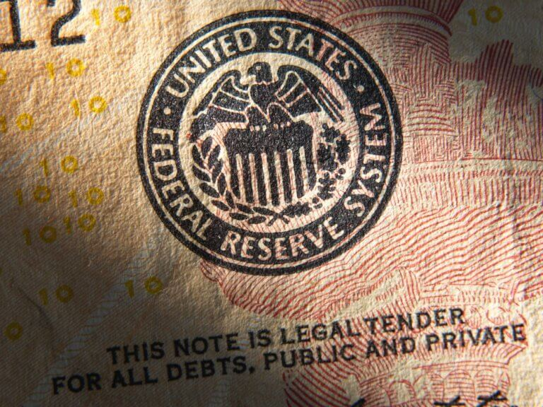 Federal reserve emblem CBDC cryptocurrency FedNow