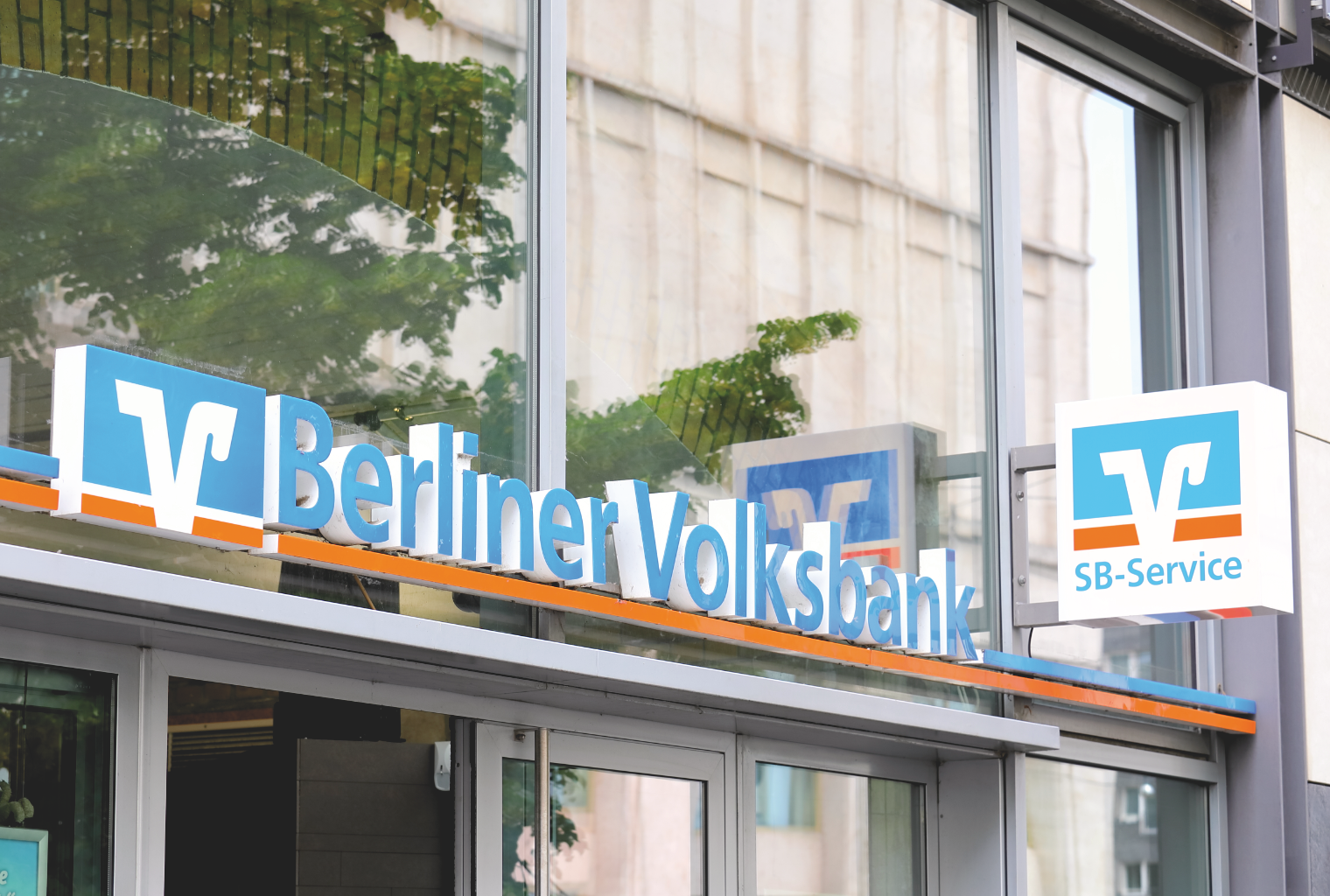 Major German Coop Bank Passes Negative Interest Rates to Customers